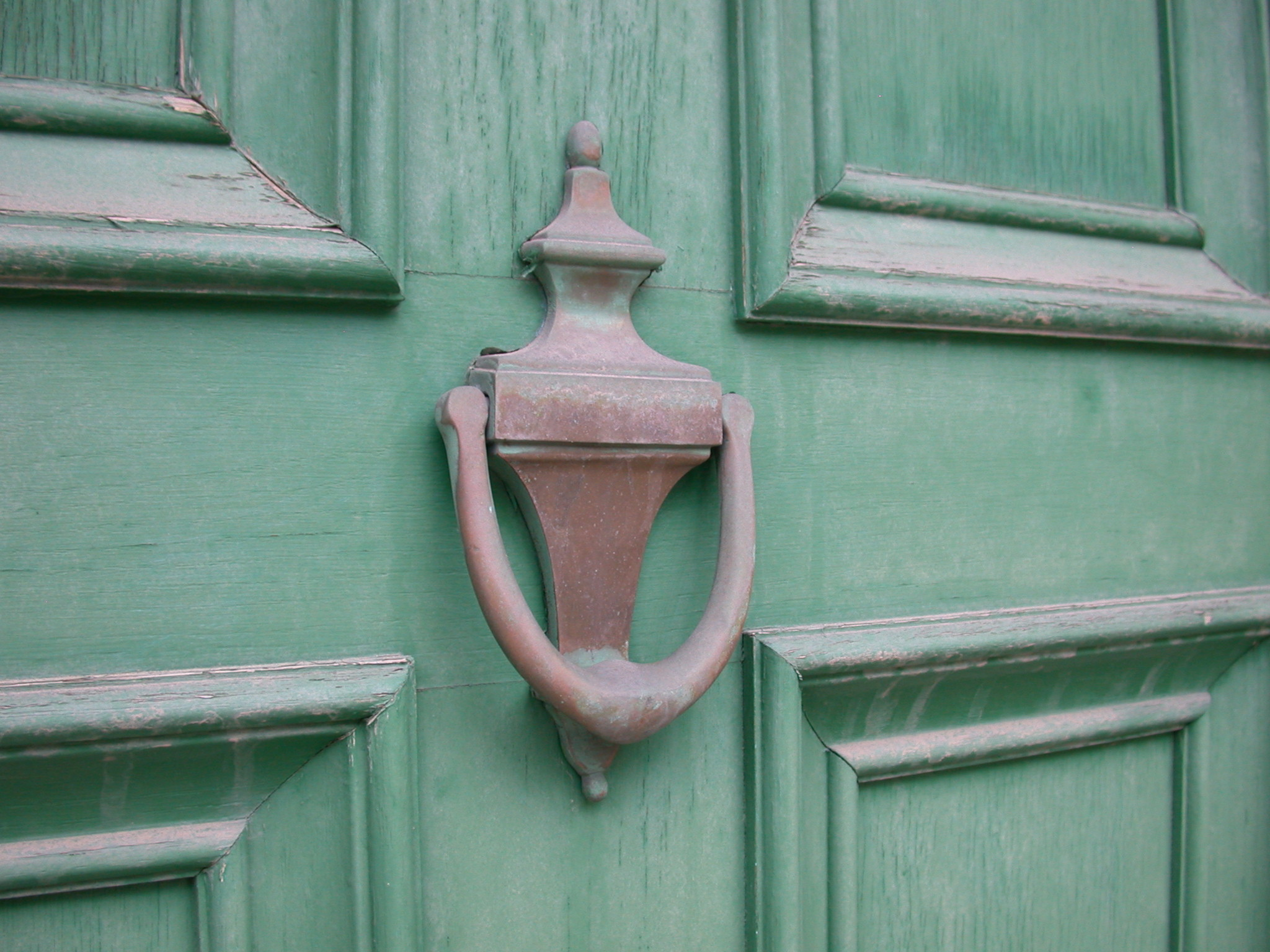door-knockers-on-door